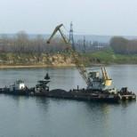 В Волгоградской области разрешили добывать песок в русле Ахтубы